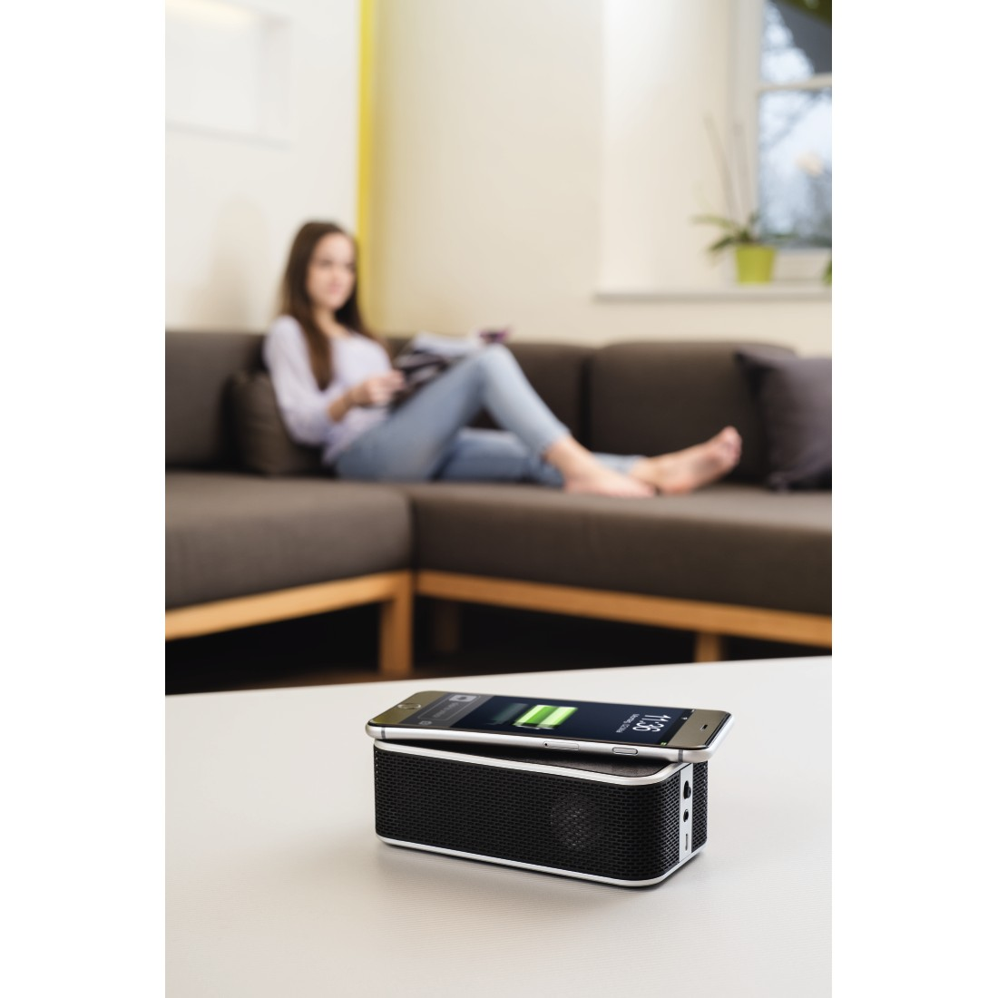 awx2 High-Res Appliance 2 - Hama, Bluetooth Speaker + Power Brick Qi Charger